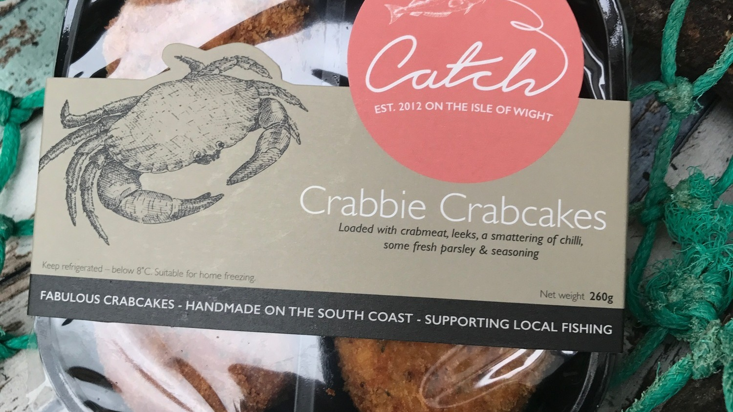 Crabbie Crabcakes on net - 2017 (cropped)
